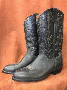 Black Oil Tan Cowhide Cowboy Boots